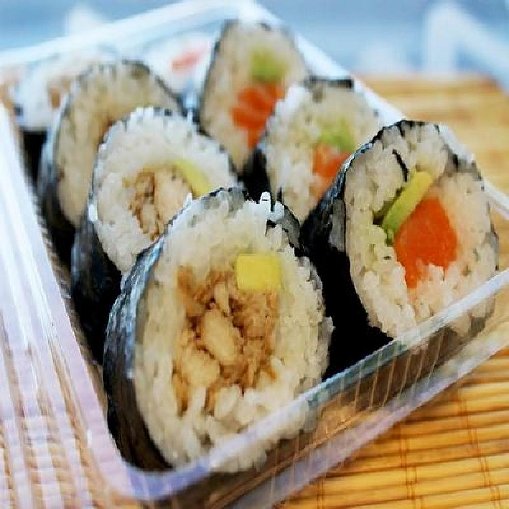 Sushi Fusion Lunch Deliveries at Knights Stream School start this Wednesday 21st October